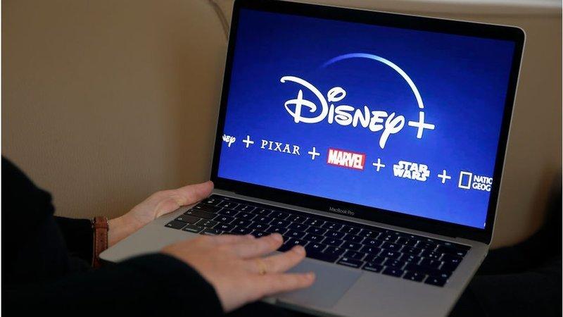 Disney sobe quase 8% e impulsiona Dow Jones. S&P 500 e Nasdaq perto da linha de água