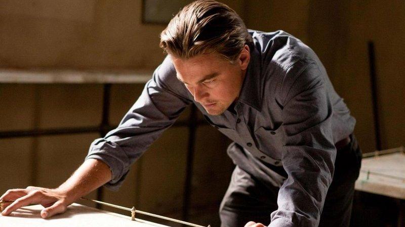 """Sonho ou realidade? Acabou a dúvida: Michael Caine explica o final de """"Inception"""""""