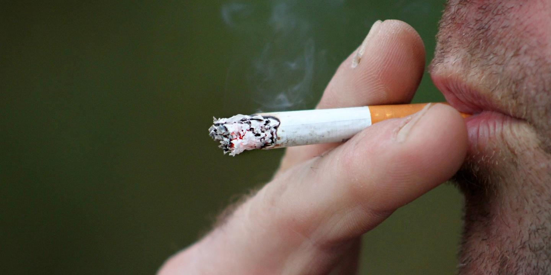 Atenção aos fumadores, têm risco aumentado de desenvolver casos graves