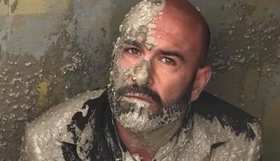 Em breve em 'A Herdeira': Ramón é enterrado vivo em cimento