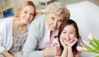 Pais, avós e crianças: o que era normal e já não faz sentido
