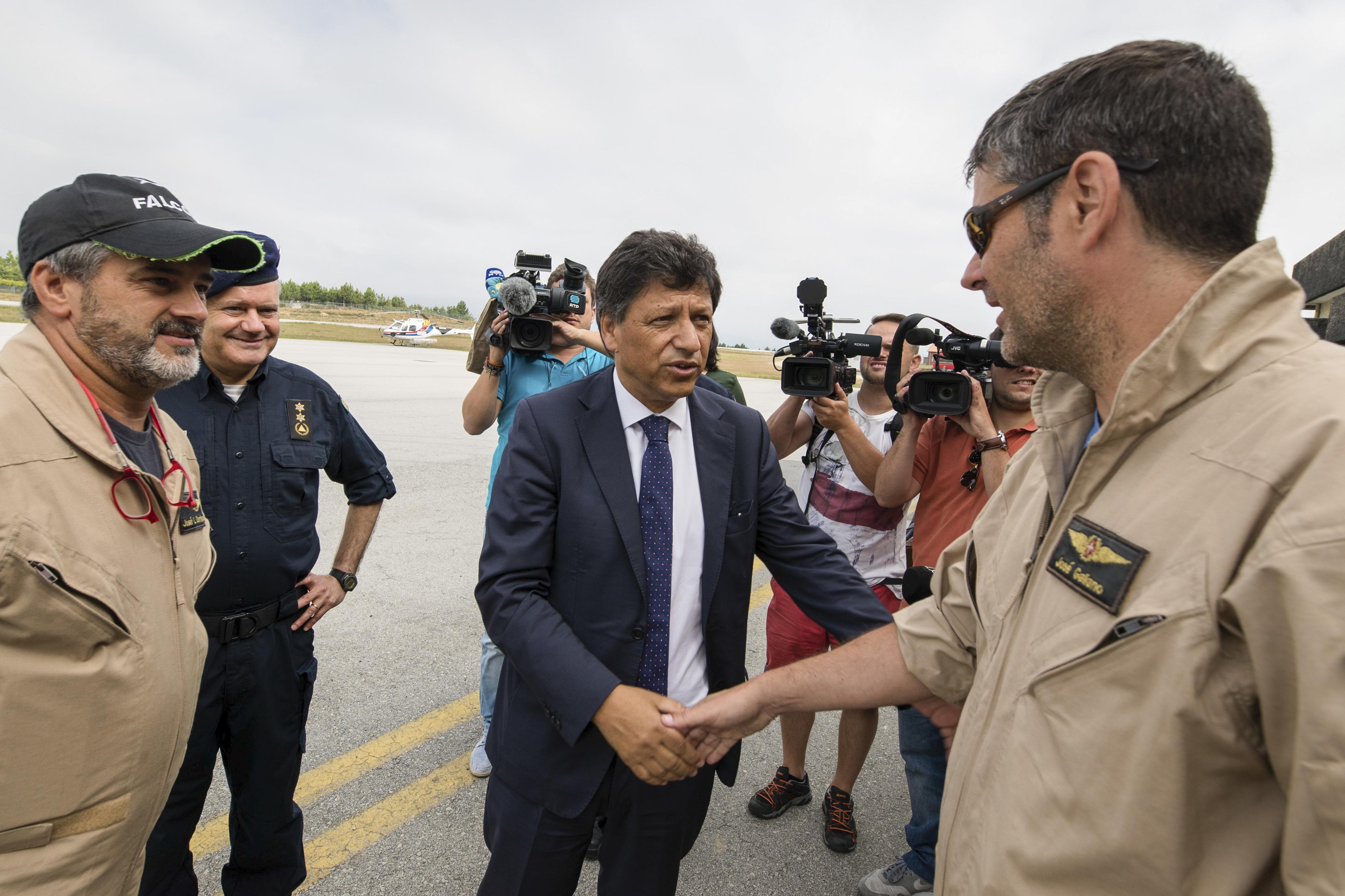 Secretário de Estado lembra que bombeiros já têm comandos autónomos