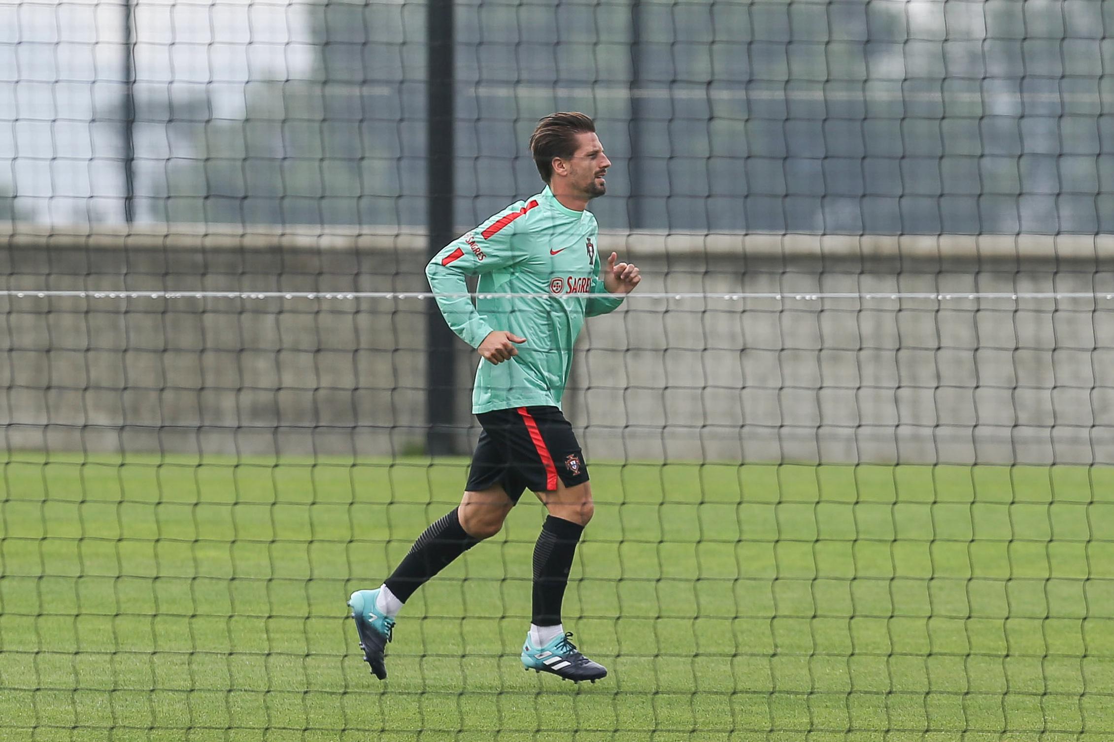 """Adrien Silva: """"Cristiano Ronaldo foi o jogador que marcou mais. É um bicho"""""""