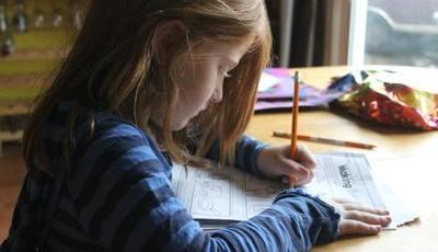 Ansiedade com os trabalhos de casa? Siga estes passos para combatê-la