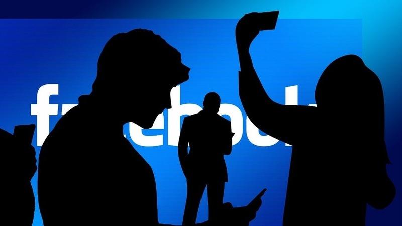 """Post antigos no Facebook são comprometedores? Há uma nova ferramenta para arquivar ou eliminar o seu """"passado"""""""