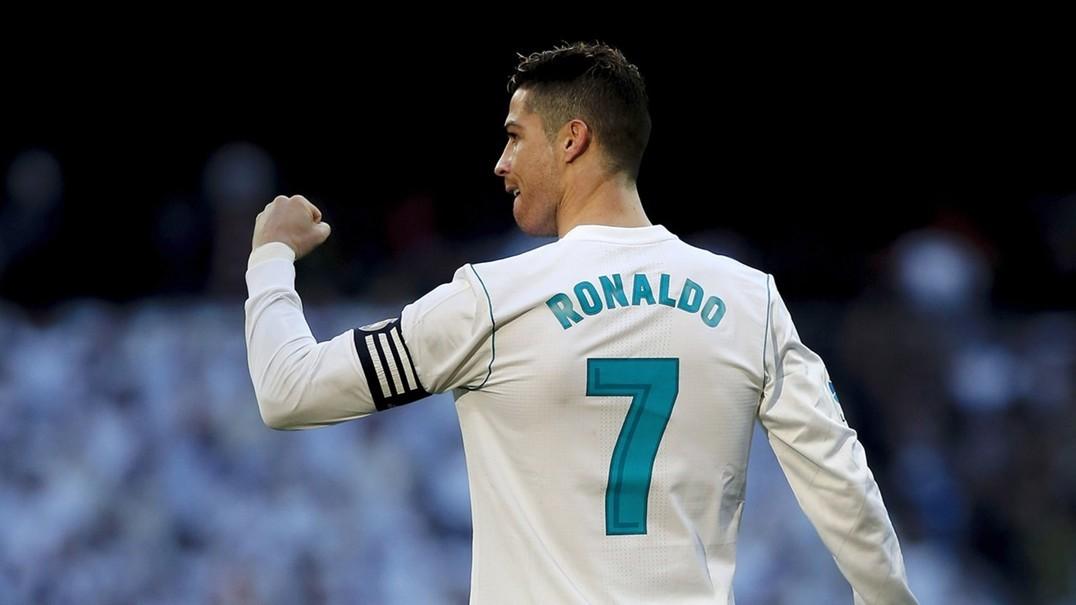 Camisola autografada por Cristiano Ronaldo vai ser leiloada em Braga