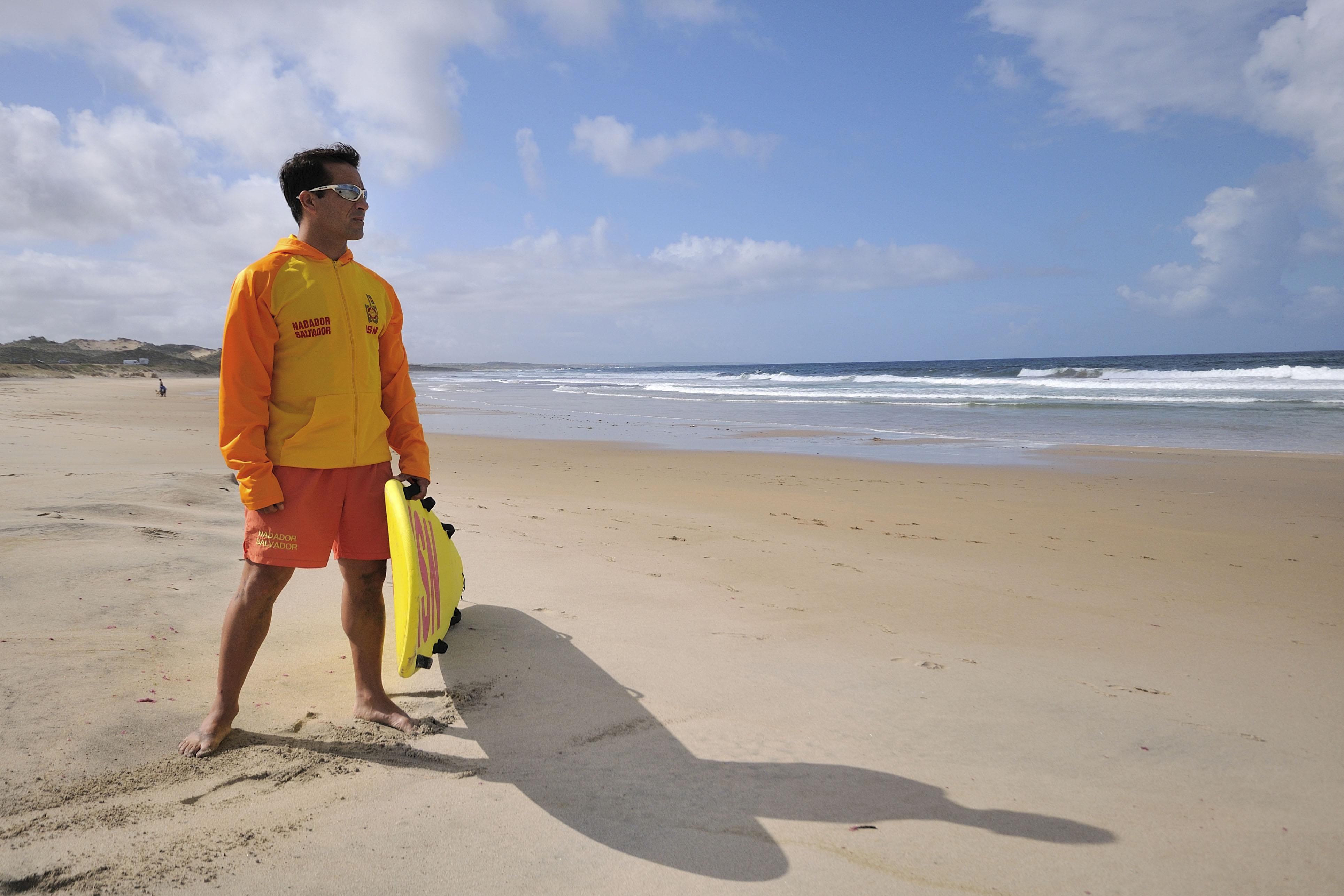 Época balnear abre com vigilância assegurada nas praias da costa alentejana