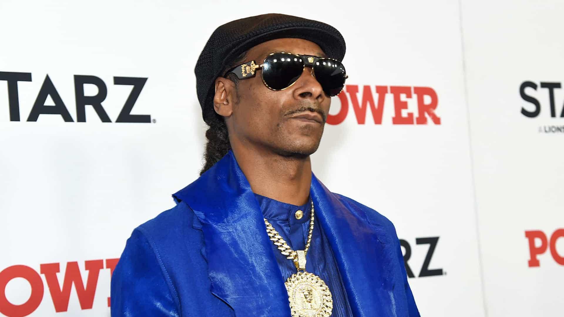 Snoop Dogg recebe bouquet de cannabis em dia de aniversário