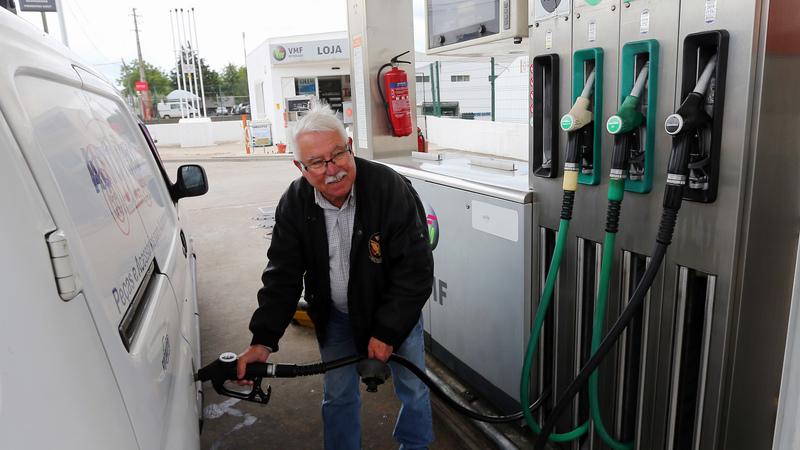 Combustíveis: aprovado o diploma que põe fim à sobretaxa
