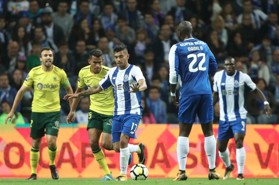 FC Porto goleia Paços de Ferreira e reforça liderança da I Liga de futebol