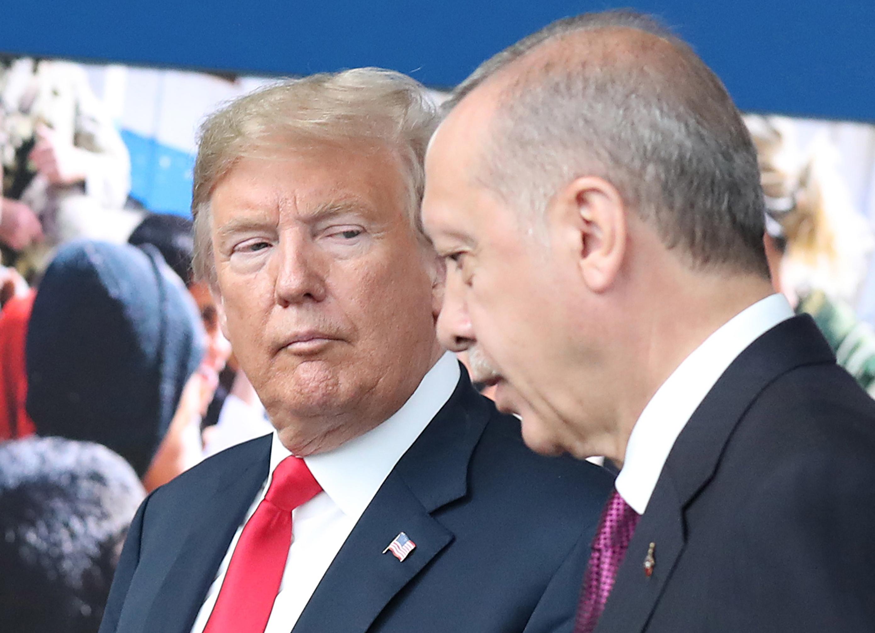 """Erdogan e Trump acordam cooperar de modo """"mais eficaz"""" na Síria"""