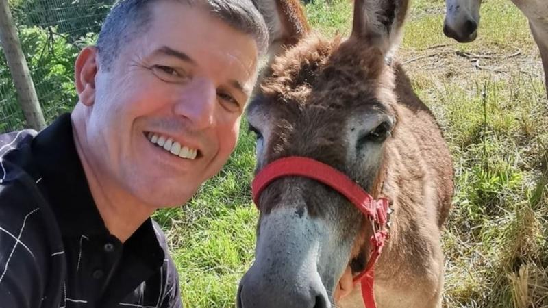 """João Baião fala sobre a importância dos animais na quarentena: """"facilita o isolamento"""""""