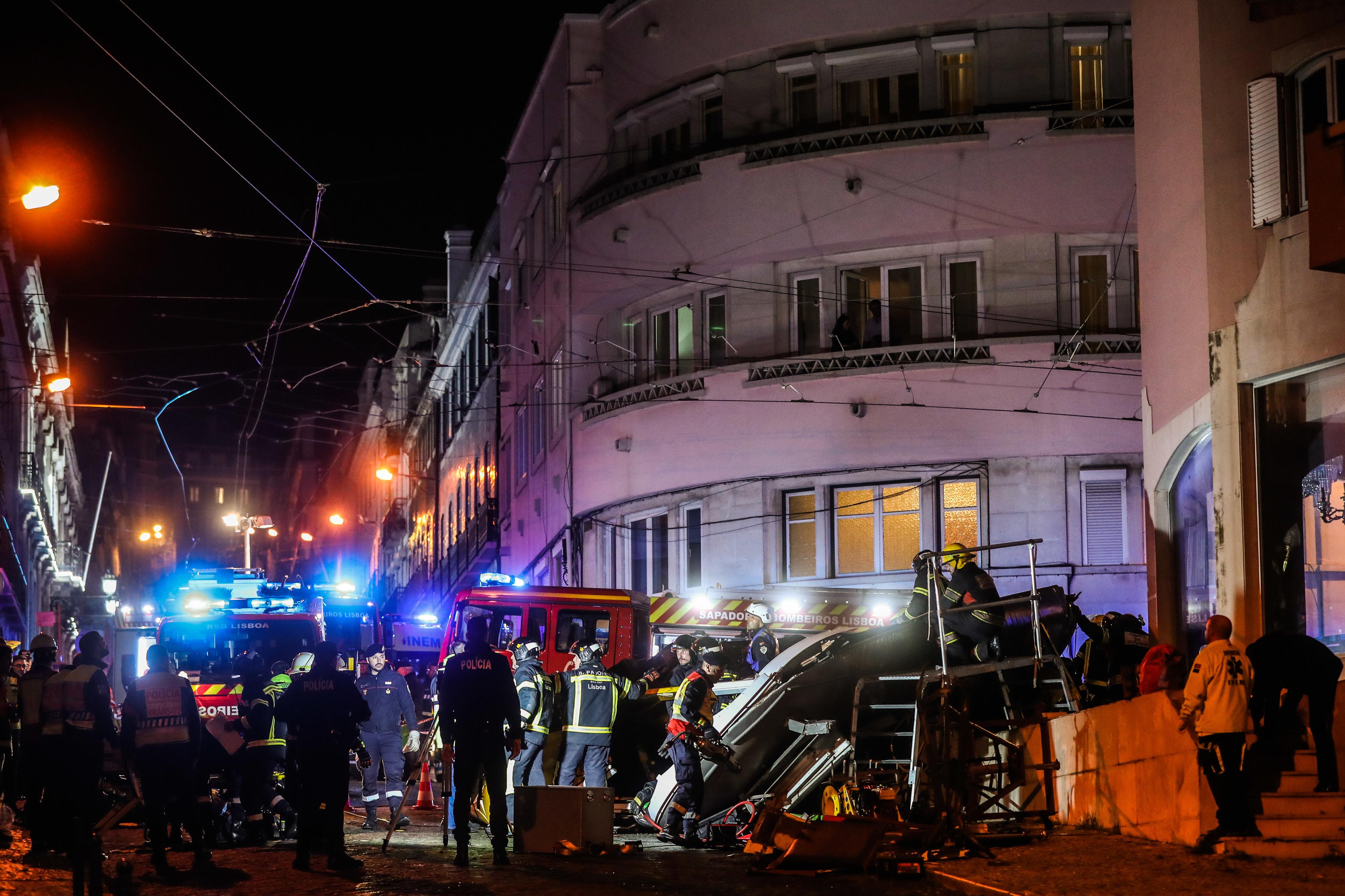 """Marcelo enaltece resposta """"imediata e muito eficiente"""" a acidente com elétrico em Lisboa"""