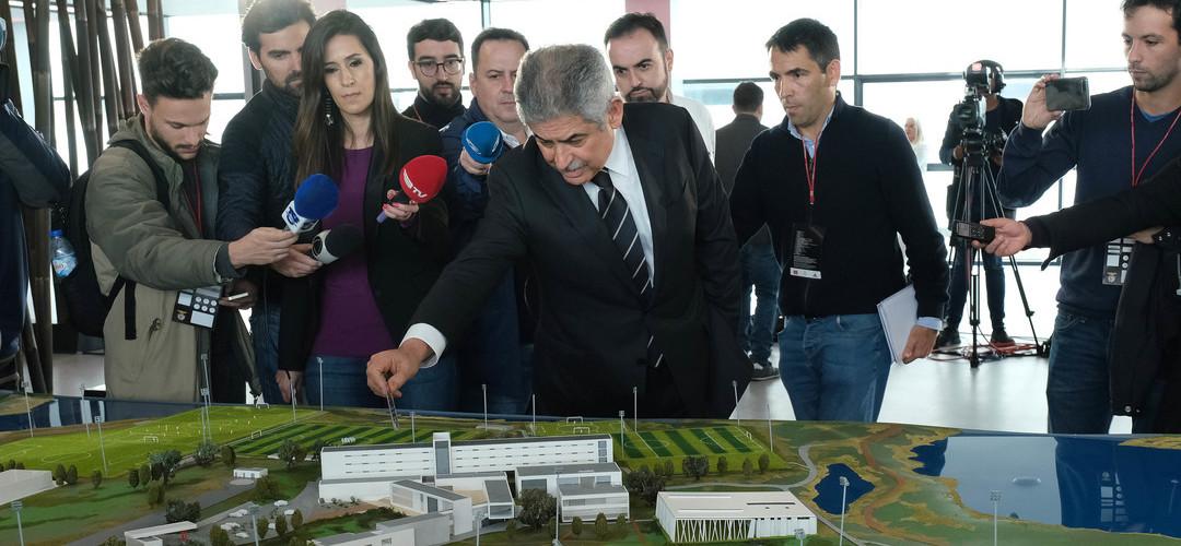 """Vieira e a renovação de Samaris: """"O Benfica oferece as condições que pode oferecer"""""""