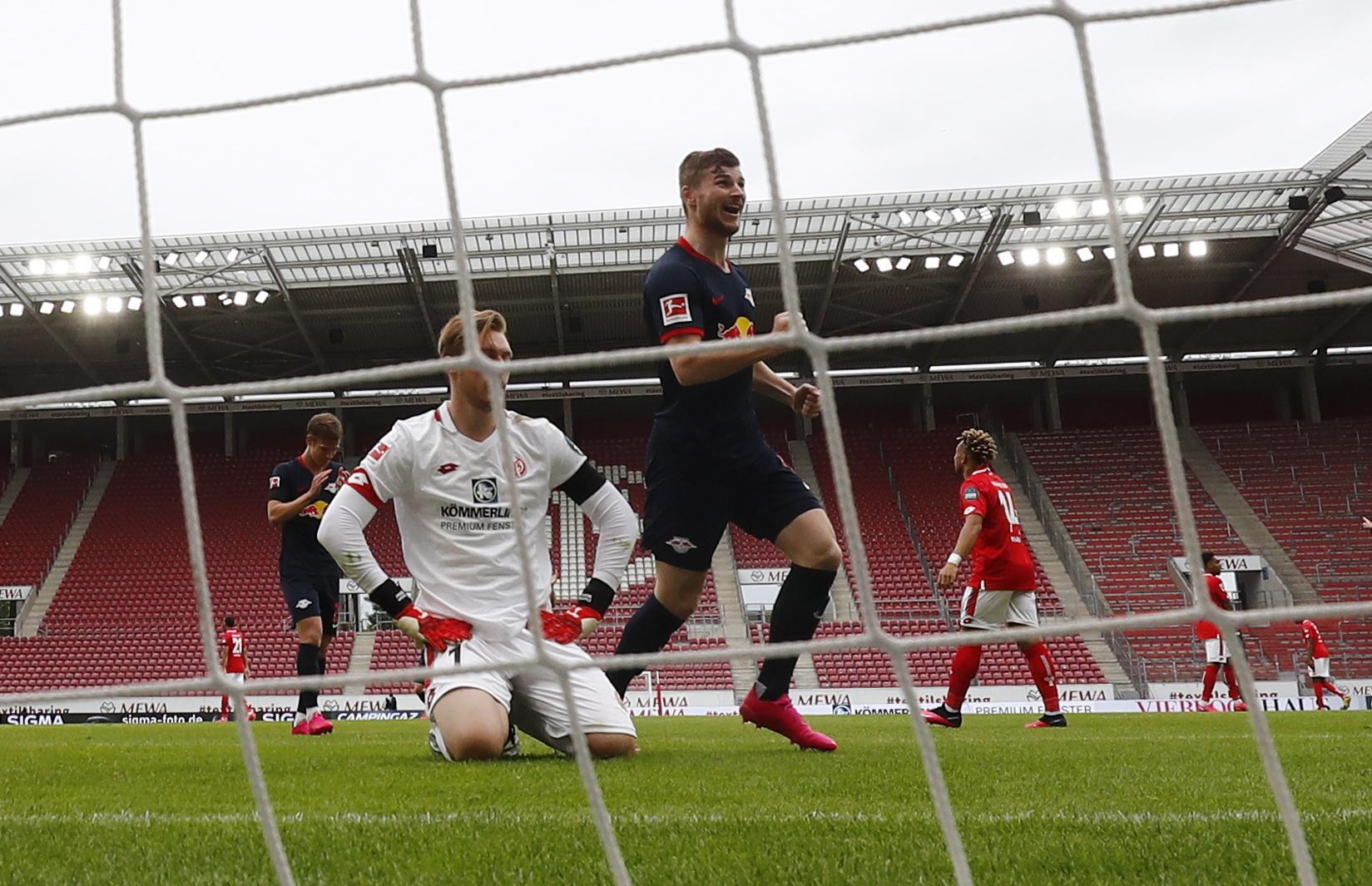 Leipzig 'atropela' Mainz e sobe ao terceiro lugar da Bundesliga