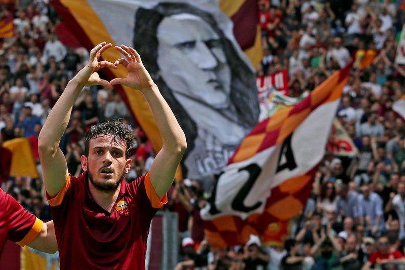 Roma vence Sampdoria e aproxima-se do pódio
