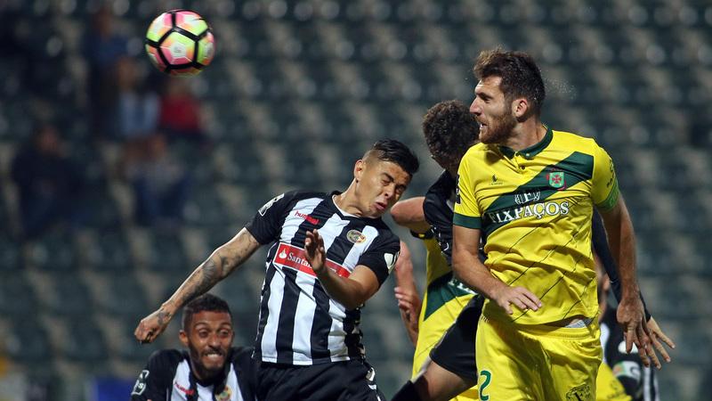 Paços Ferreira goleia Nacional e segue em frente na Taça da Liga