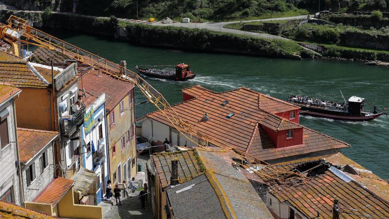 Câmara do Porto vai suspender licenças para instalação de gruas no espaço público