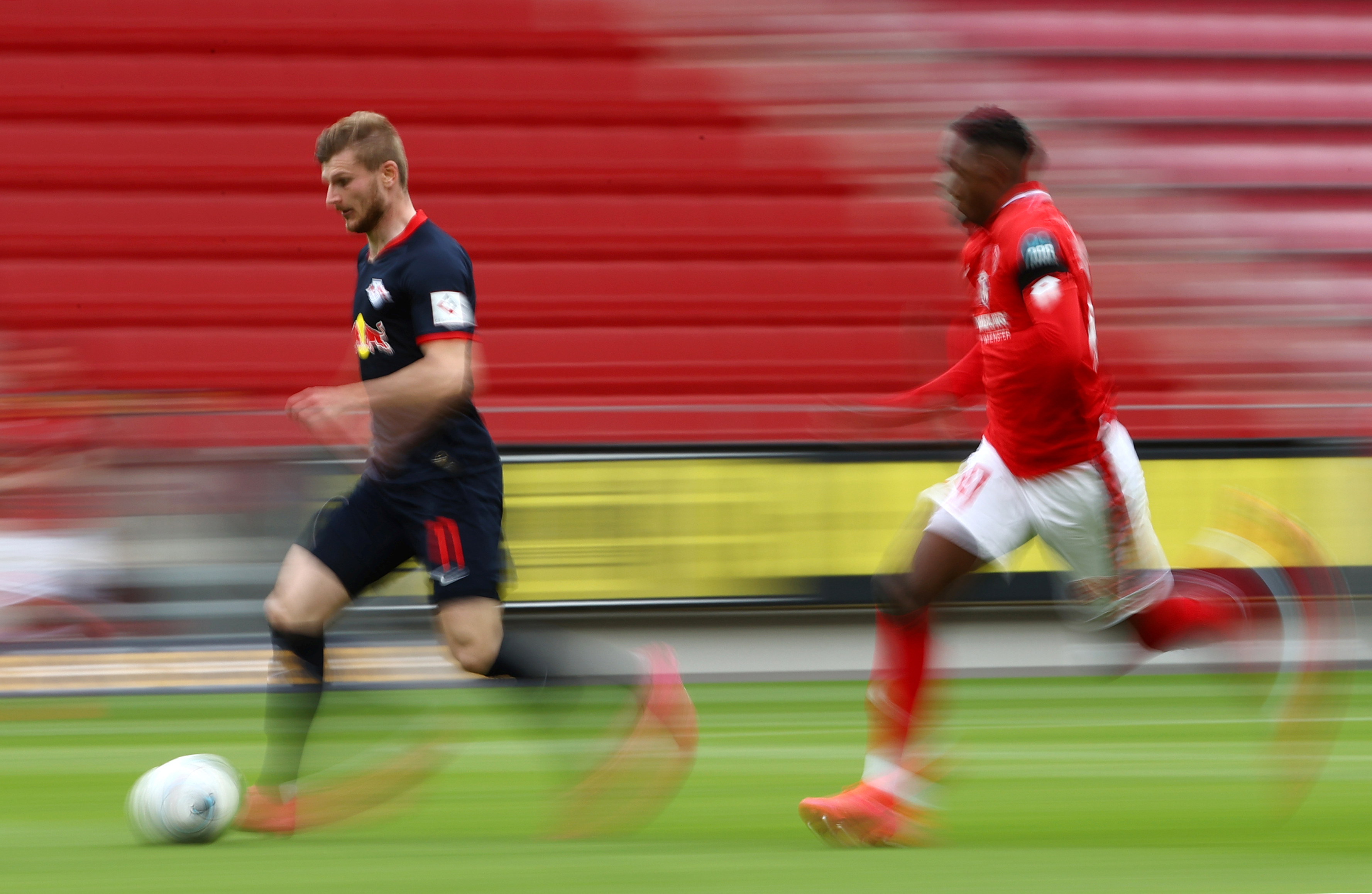 Bundesliga: Leipzig dá 'chapa 5' e regressa ao terceiro posto