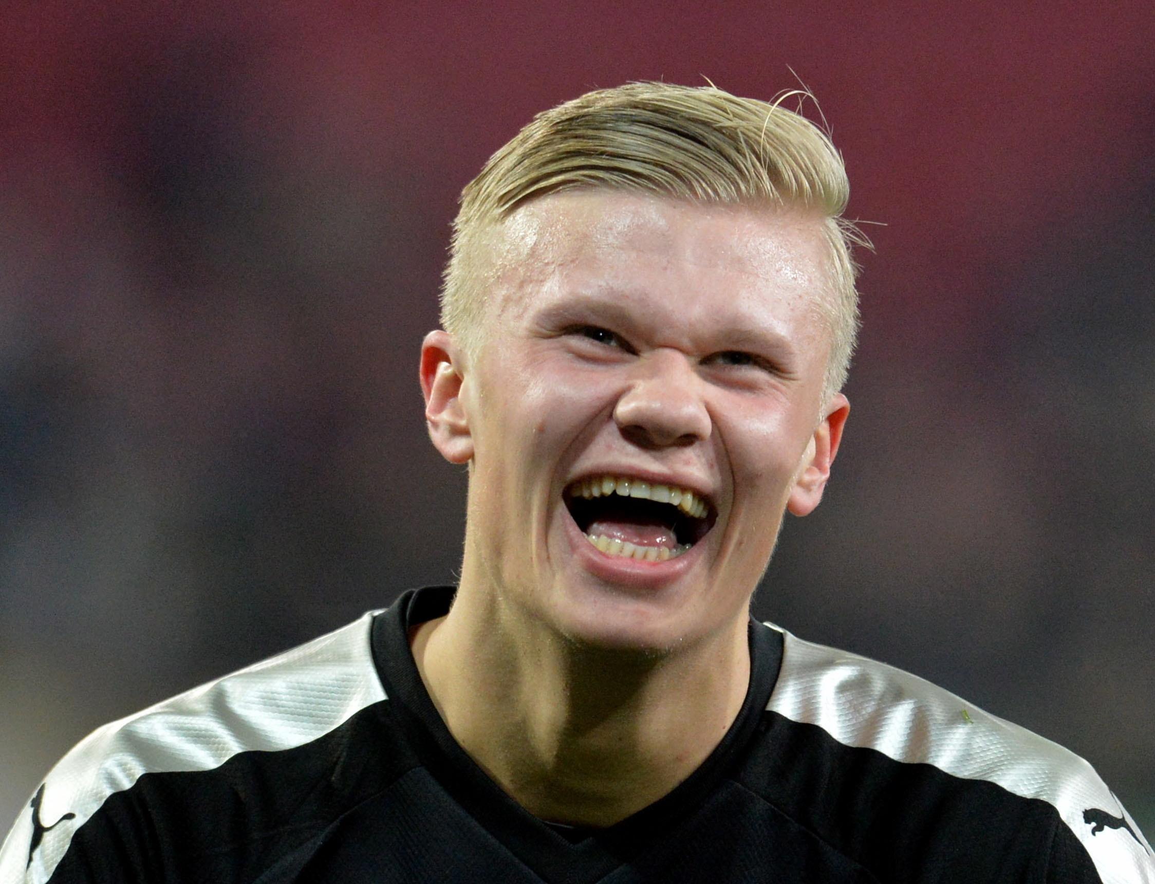 Haaland é o primeiro suplente a marcar um 'hat-trick' na estreia na Bundesliga