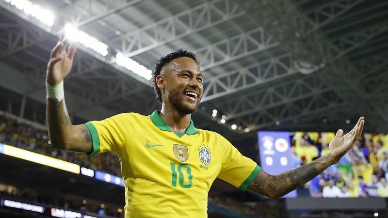 """Neymar celebra aniversário de ex-namorada. """"Mereces toda a felicidade"""""""