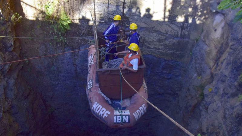 Na Índia, há 15 mineiros presos numa gruta há mais de um mês