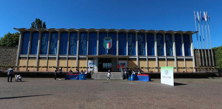 COVID-19: Quartel-general da seleção italiana convertido em centro de recuperação