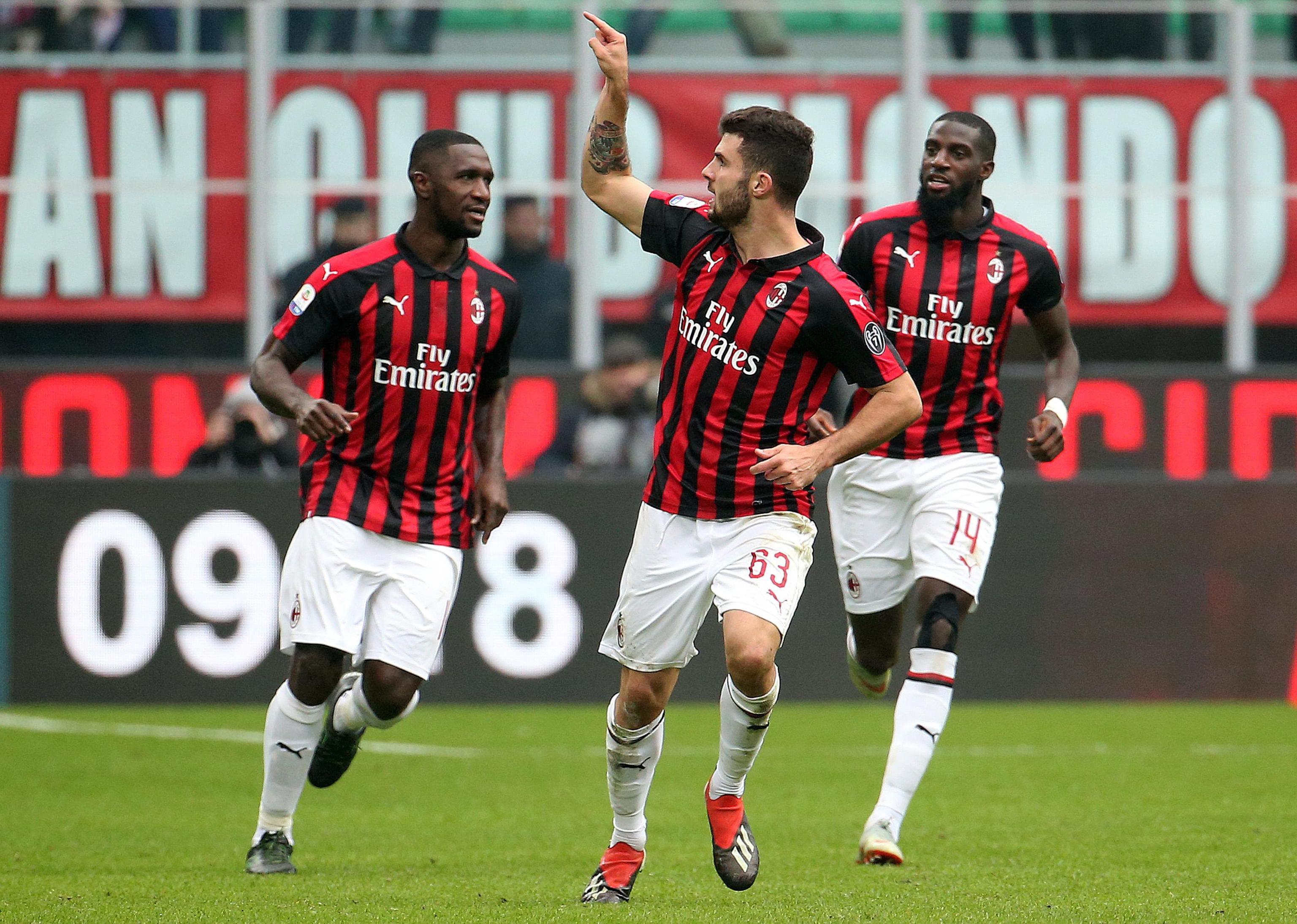 UEFA multa AC Milan e pode ser suspenso das competições europeias
