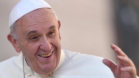 Papa visita Lesbos dia 16 de abril