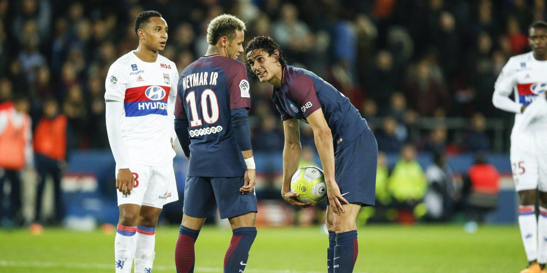 """Dario Silva: Se Neymar fizesse comigo o que fez com Cavani, estaria a ser operado"""""""