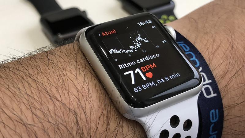 Como é que o Apple Watch consegue medir o seu ritmo cardíaco?