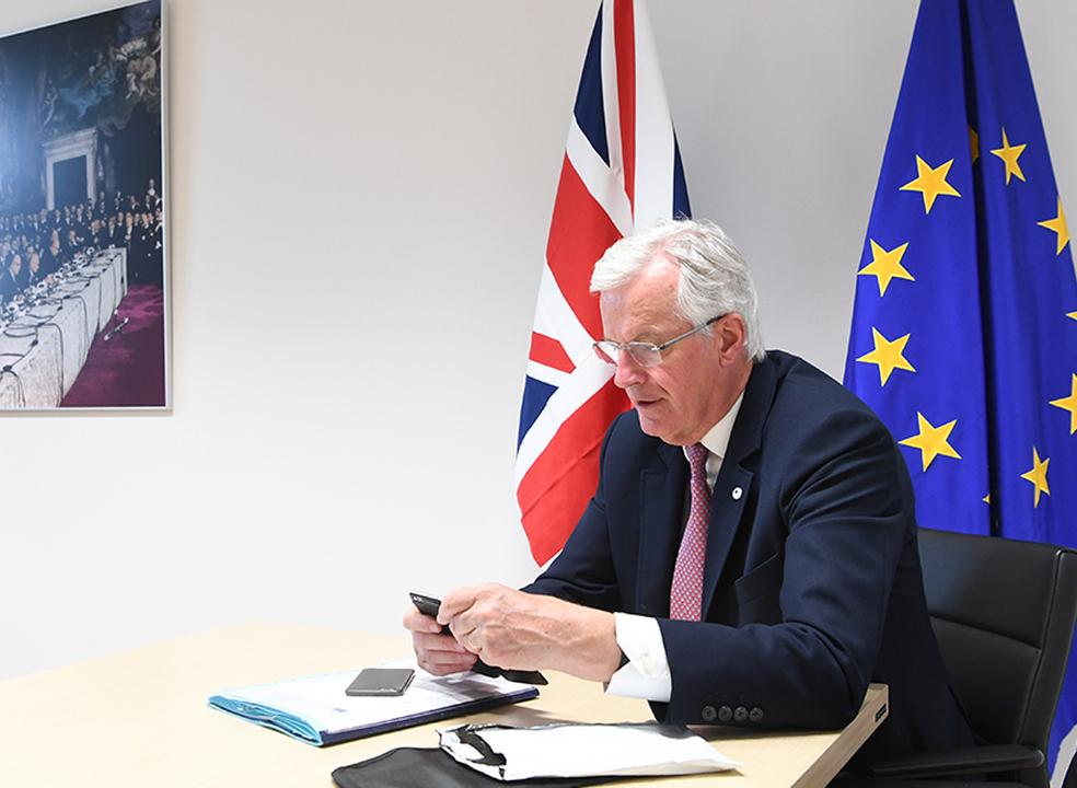 """""""É preciso mais tempo"""" para concluir acordo do Brexit, admite Barnier"""