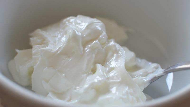Os iogurtes Skyr estão na moda: fomos descobrir porquê com uma nutricionista
