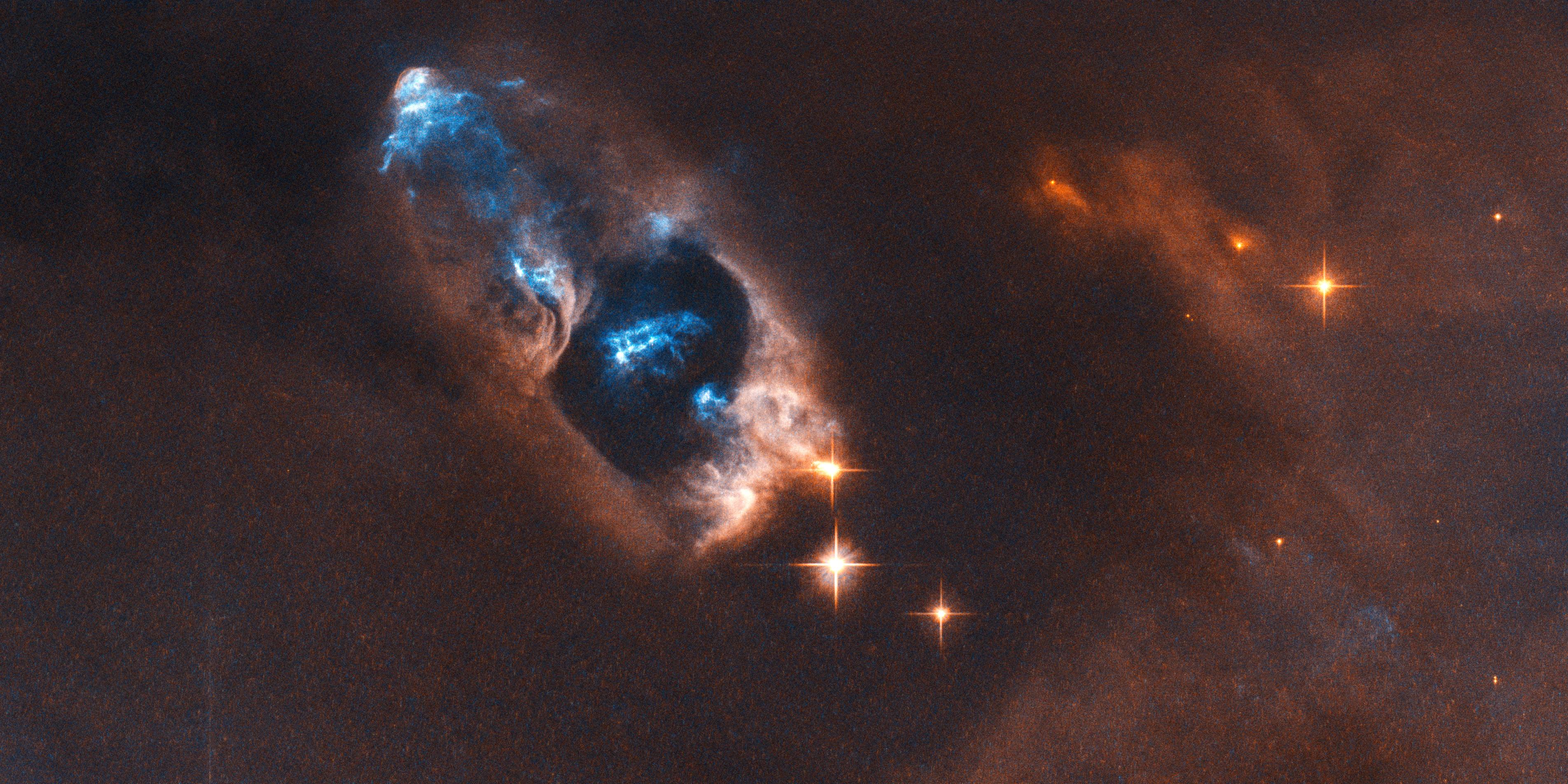 """Hubble volta a encantar ao registar """"disparo"""" de uma estrela recém-nascida"""