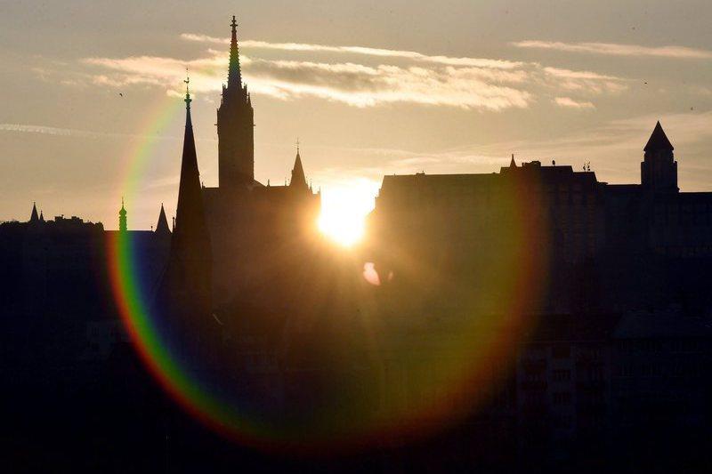 Budapeste: Quando o sonho deixa de comandar a vida e há contas para pagar
