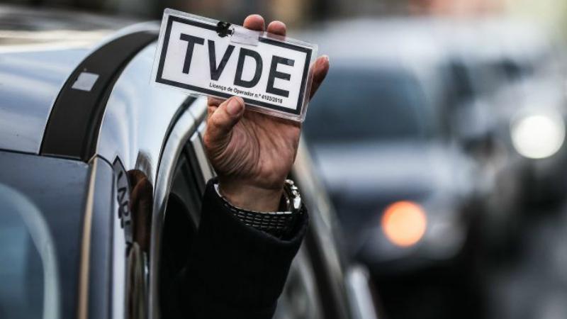 Lisboa e Porto já têm mais motoristas da Uber do que taxistas