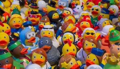 Há plástico tóxico em brinquedos em Portugal. Aprenda a identificá-los