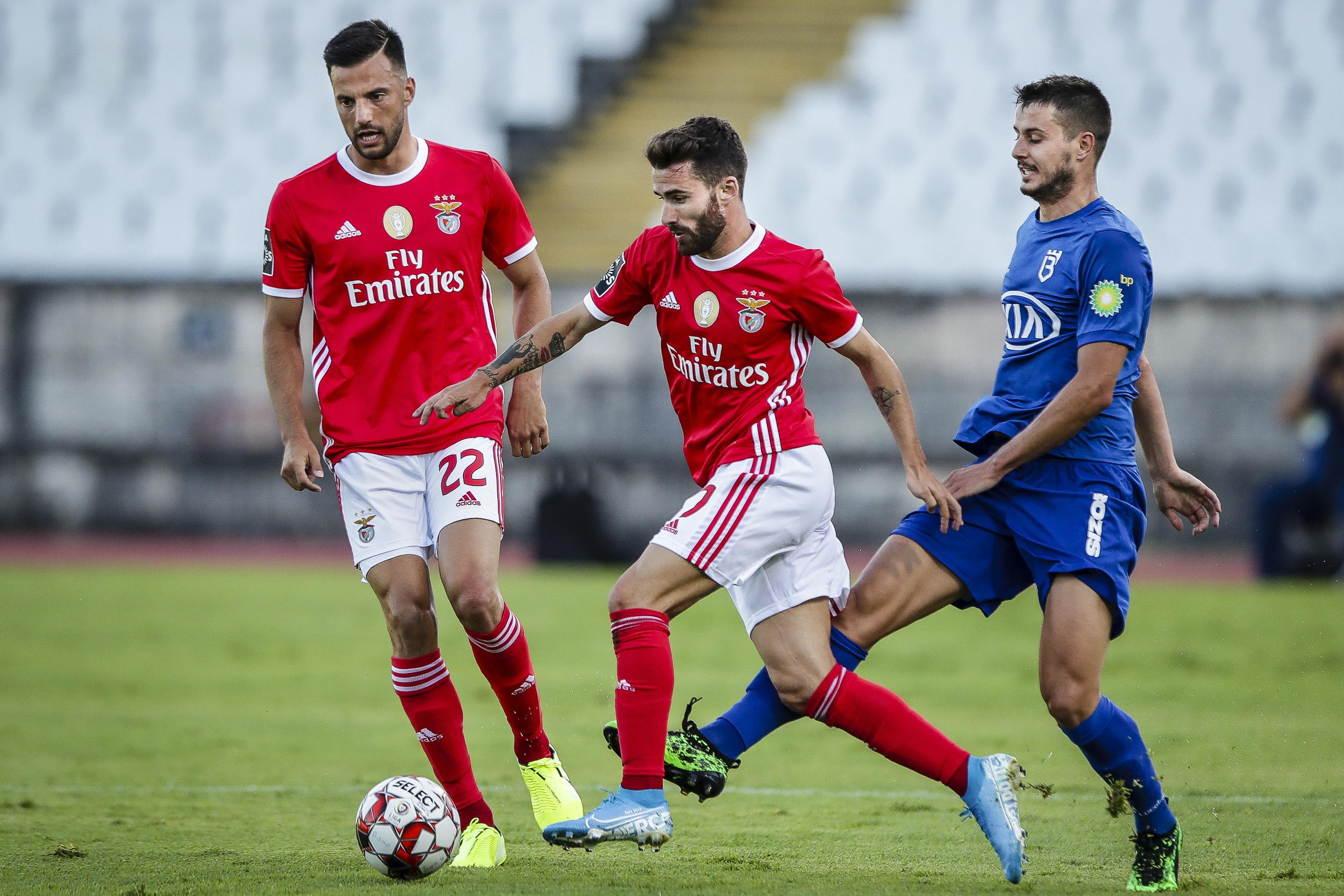 """Conceição: """"Caça ao Rafa? Adversários do Benfica têm sido bem castigados: 19 amarelos e dois vermelhos em três jogos"""""""