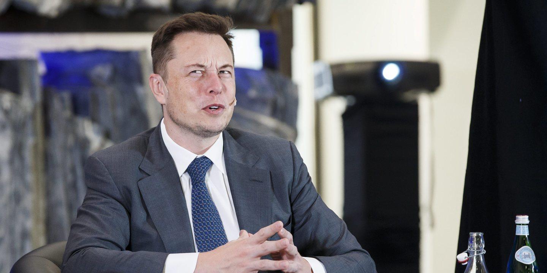Mergulhador que ajudou a tirar crianças de gruta na Tailândia pondera processar Elon Musk
