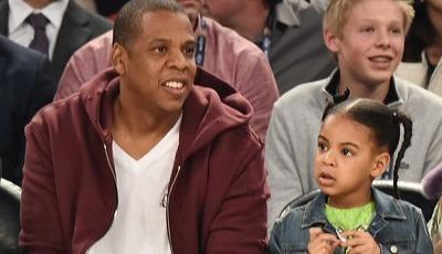 Filha de Beyoncé e Jay-Z faz cara feia ao ver imagens dos pais na cama