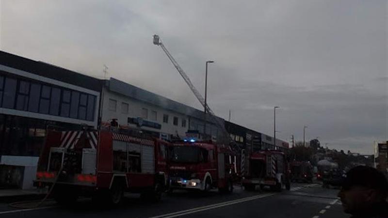 Incêndio em Braga destruiu pelo menos 35 automóveis