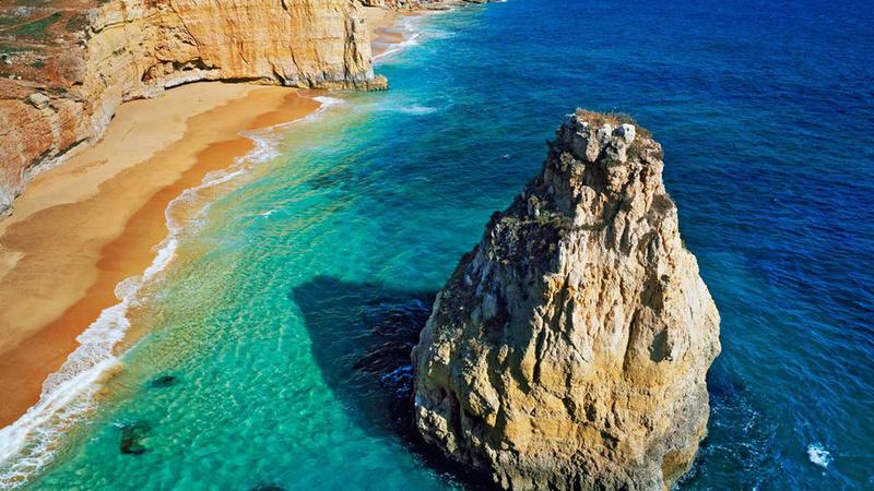 Está no Algarve? Revista espanhola escolhe as 50 melhores praias de Portugal e muitas estão lá