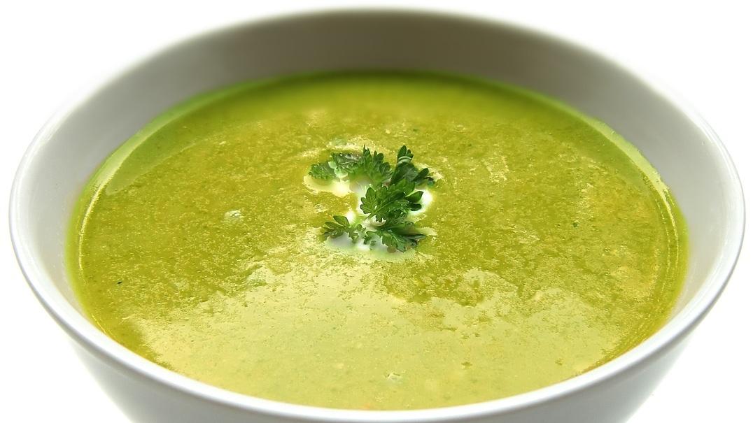 Para perder peso só posso comer uma sopa ao jantar?