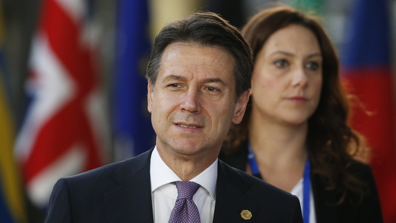 Governo italiano mantém orçamento apesar das críticas de Bruxelas
