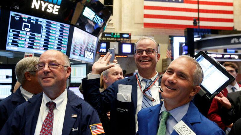 Wall Street festeja recuo dos juros da dívida norte-americana