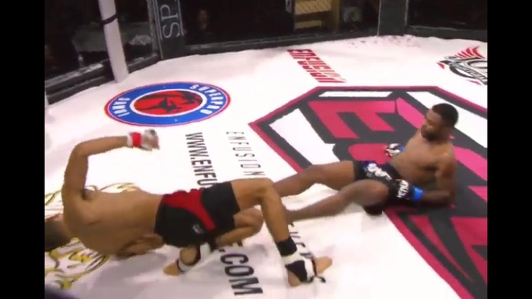 Lutadores de MMA (quase) sofrem KO simultâneo numa luta em Lisboa