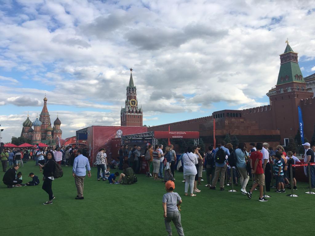 #DiárioDaRússia: Passeata por Moscovo em noite de agonia argentina