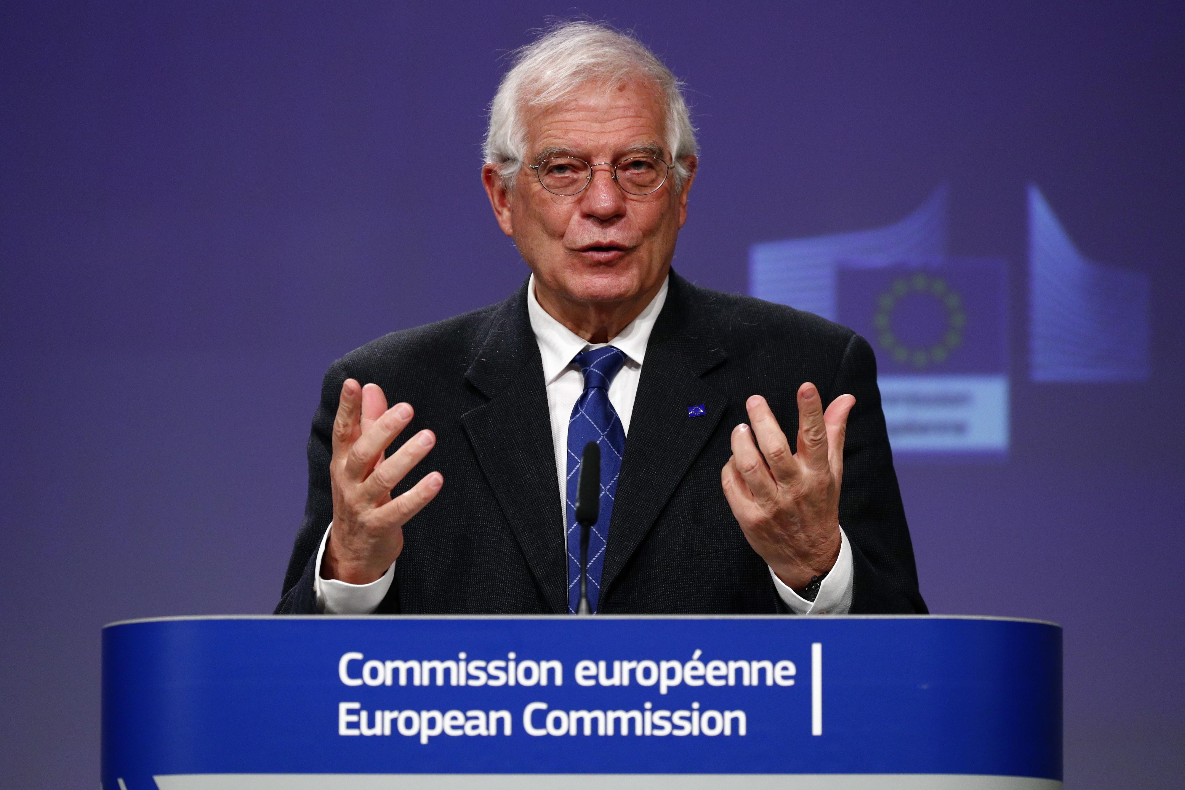 UE tem de ajudar África, até no seu próprio interesse, defende diplomacia europeia