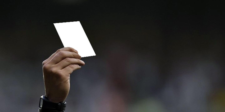 Há um cartão branco que está dar a que falar: árbitro elogia atitude de jovem jogador, pai fala em humilhação
