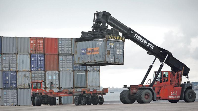 PCP quer o Estado a controlar empresas de trabalho portuário